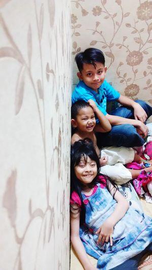 Axel, Satriya, Putri : smile face, laugh face, funny face :D My Cousin Having Fun :) Cool Kids