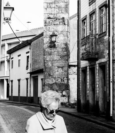Senior Adult One Person Adults Only Street Lamp Day High Contrast Black & White High Contrast Bnw Blackandwhite Photography Blackandwhite Monochrome Photography Black And White Streetphotography Street Photography Urban Perspectives