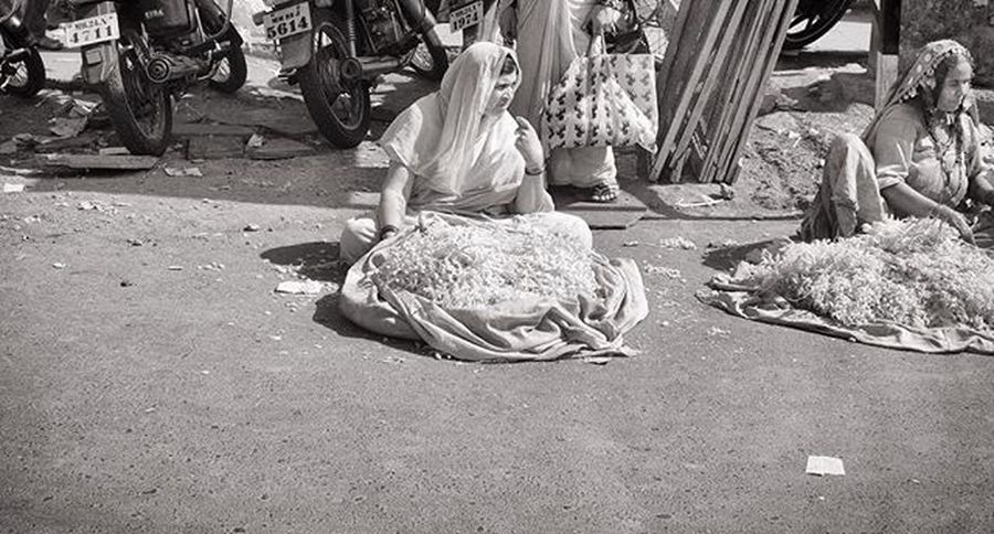 Streetphotography Bnw_life Streetbw Streetphoto Bnw Blackandwhite Bw_lover Bnw_society Bnw_sniper Bnw_captures Insta_bw Monochromatic Monochrome Instagram Photojournalism Documentaryphotos One__shot__ Bnw_universe Bnw_of_our_world Portrait Streetview Streetphotographers Lensculture Infinity_streetbnw Everybodystreet wearethestreet india globalstreetlight
