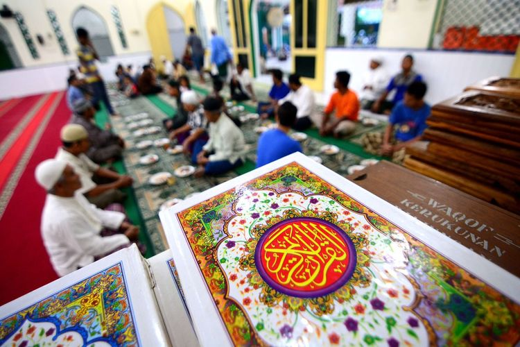 Ramadan in Indonesia. Real People Group Of People Table Indoors  Art And Craft Focus On Foreground Women Selective Focus Creativity Men Incidental People People Food High Angle View Adult Sitting Lifestyles Food And Drink Pattern