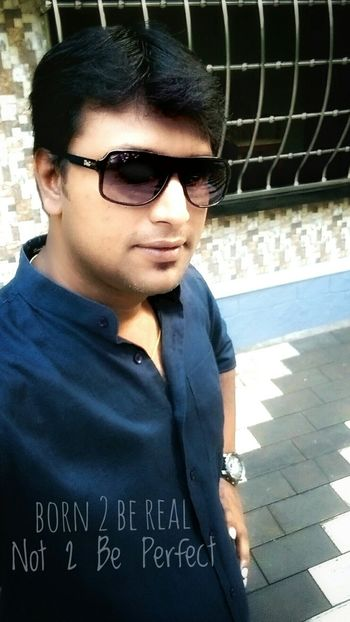 Me Myself Selfie EyeEm Best Shots EyeEm Selects Sunglasses Eyeglasses  Casual Clothing Portrait One Person Fashion One Man Only Adults Only Young Adult Close-up Only Men Outdoors Day People Real People Lifestyles Boys Standing Looking At Camera Young Men Eyeglasses