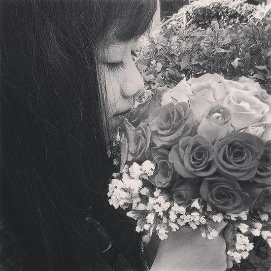 Black white Rose Rose🌹 Black And White The Fashionist - 2015 EyeEm Awards First Eyeem Photo Smile ✌ Student Life Vietnamese Hello World School ✌ New Haircut