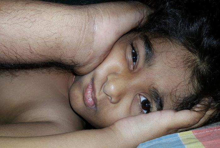 Girl Baby Beautiful Kid Awakening Daddy's Girl EyeEm Close-up Samsung Note 5 Duos Kids Photography Raw Image India