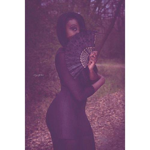 """DarkBeauty"" (Katana) Photographer- @brewcityflash2 Model- @bombshellberda Photooftheday Grind Shespublished Bookher Greatspirit Model Hardworkingwoman Dress GoodLady Dedication Darkskin Darkbeauty Darkbeautymag"