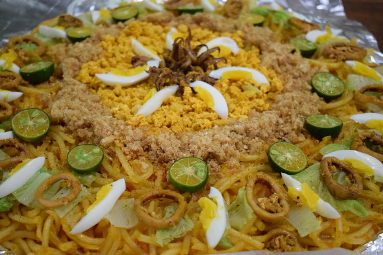Eyeem Philippines Food And Drink Pancit Philippines Citrus Fruit Delicious Egg Filipino Food