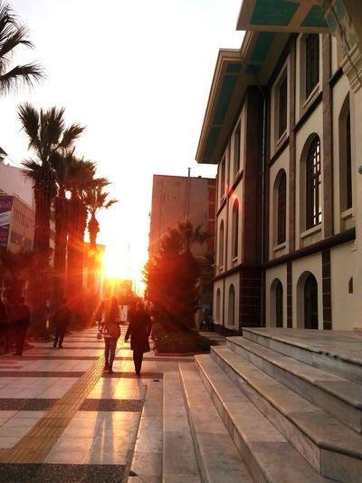 Şehirde gün batımı ◆◇◆