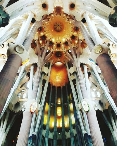 Sagrada Familia Barcelona España Catalunya Architecture Ceiling Religion Dome Indoors  Built Structure Travel Destinations Antoni Gaudí Architecture Masterpieces Nowords Light