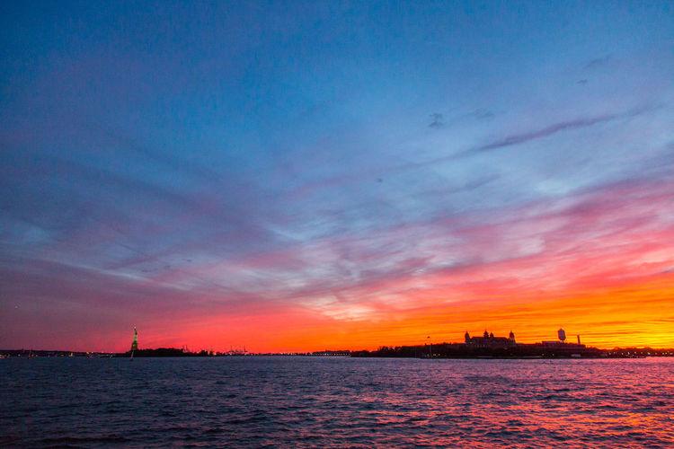 Holy moist watercolors Batman #eabreunyc #sunset #newyork #newyorkcity #nyc #canon_official #canon_photos #canon #canonphotography #canonphoto canon5dmarkiii