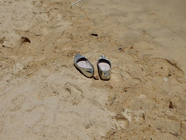 Silver Shoes Pair Shoe No People Outdoors Beach Nature Minimalist Simplicity Abstract Sommergefühle