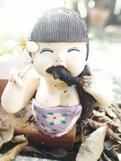 Hat Doll Day Outdoors Close-up Clay Doll pipe Cigarette  Cigar Cigar Made By Honey Ants home of animals Insects  Insects House Funny Pics Funny Faces Hive hive of insect