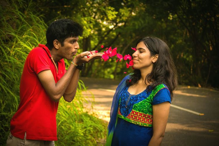 Two People Red Love Togetherness People Flower Outdoors Happiness Fakecandid Couple Photoshoot Levitation Photography Levitation Life Relationship EyeEm Gallery The Week On EyeEm Eyeemphotography Photooftheday Photography EyeEm Best Shots Check This Out WeekOnEyeEm Roseleaves EndlessLove