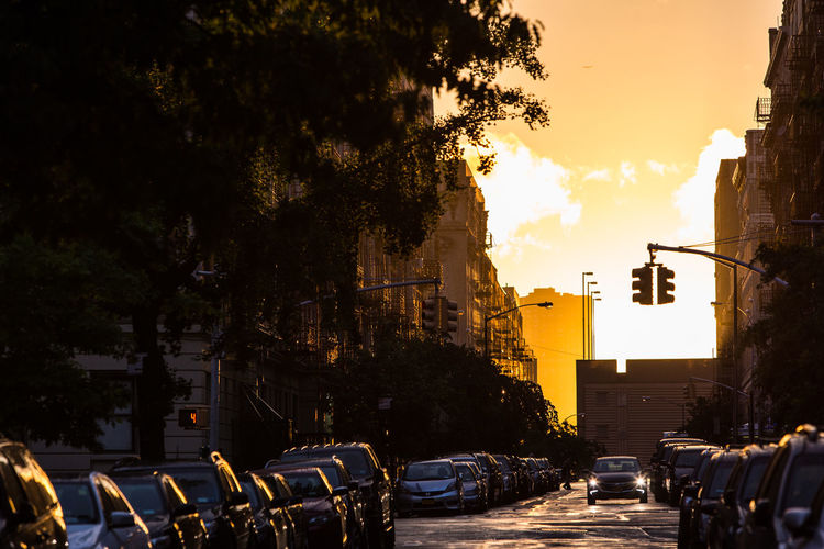Going Away #instagramuptown #washheights #washingtonheights #inwood #uptown #nyc #newyork #newyorkcity #sunset #canon_official #canon_photos #canon #canon5dmarkiii #canonphotography #canonphoto eabreunyc Feel The Journey