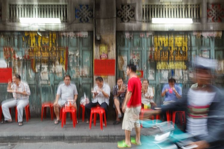 The Street Photographer - 2016 EyeEm Awards Streetfood Streetphotography Everybodystreet Bangkok