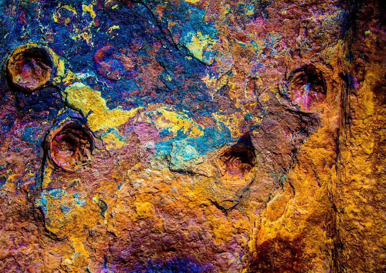 FULL FRAME SHOT OF ABSTRACT PAINTING