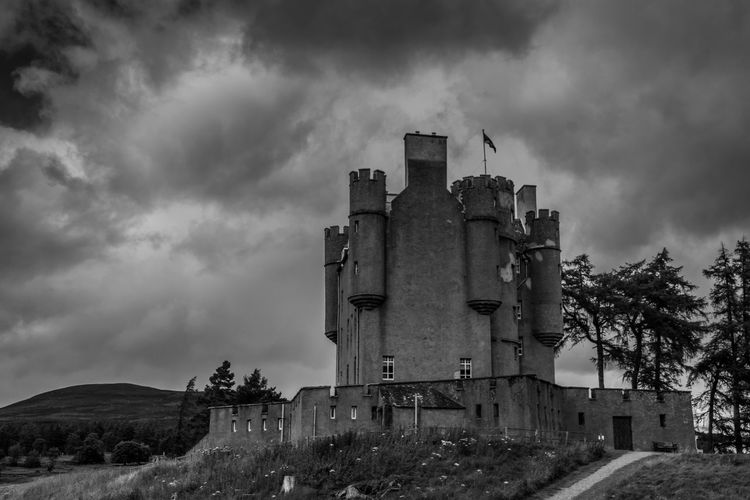 Architecture Braemar Castle Building Exterior Castles Cloud - Sky Cloudy History Sky Tall - High The Past Tower Tranquil Scene