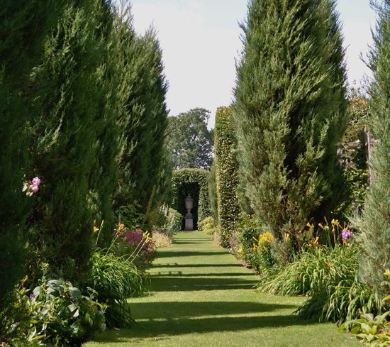 A view at a castle in England Beauty In Nature Day Garden Path Grass Green Color Growth Nature No People Outdoors Park - Man Made Space Plant Sky The Way Forward Travel Destinations Tree