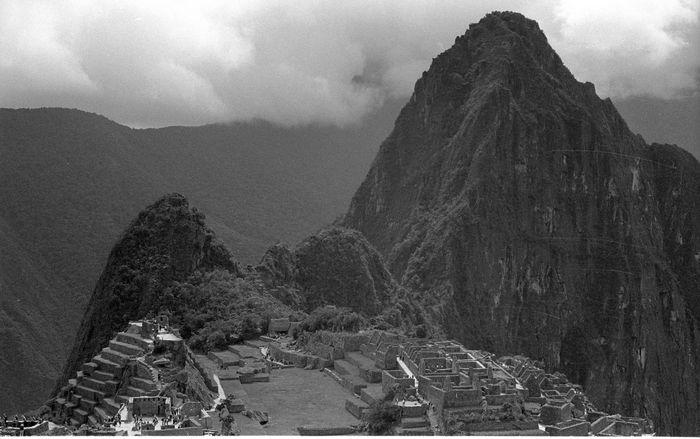 Analogue Photography Bolivia Cruz Del Condor Cusco Kodak T-max 400 La Paz Machu Picchu Machu Picchu - Peru Peru Peru Traveling Teleferico De La Paz Titicaca Lake Blackandwhite Filmisnotdead Filmphotography