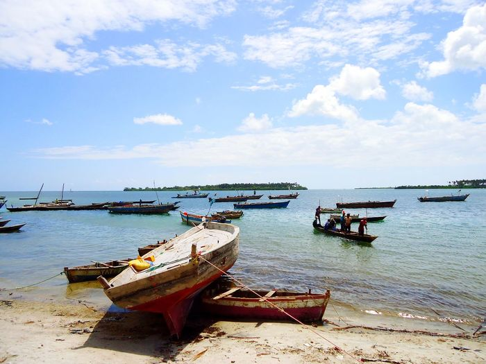 Bambi Beach Boating And Fishing Beach Boats Africa Aficion Zanzibar_Tanzania First Eyeem Photo