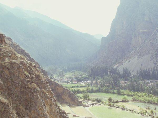 Peru Ollantaytambo - Peru Sacred Valley - Peru Mountains Valley
