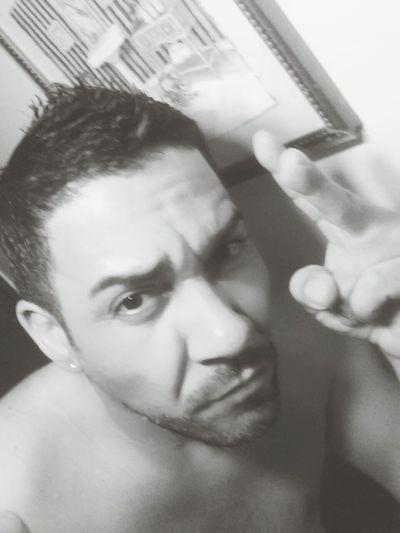 That's Me Buenos Días Latino Latinos Peace ✌ Selfie Bad Boy  Hahahaha 😂😂😂😂😂 Me