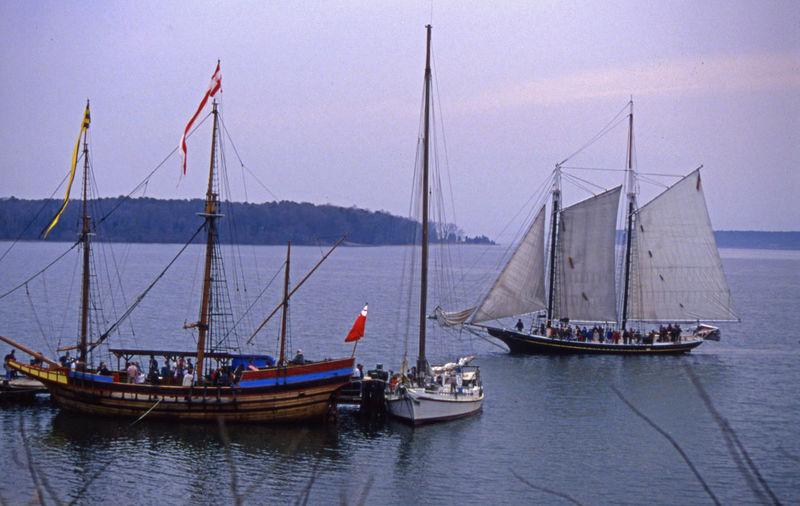 Sailing Ship Wooden Ship 3 Ships Full Sail Rigging 2 Masts Schooner Yawl Penant Dead Rise Chesapeake Bay 17th Century