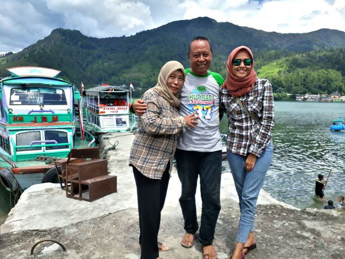 Always Love You Father Mother Family❤ Danautoba LakeToba  Sumaterautara By Camera Phone Smiling Mountain