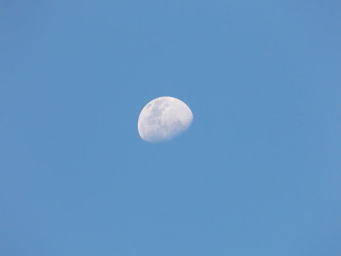 ..pale Moon over Balikpapan 's Sky