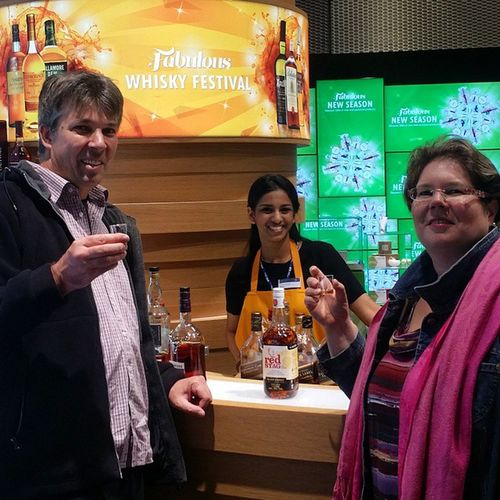 Whiskeytasting at the Airport Duesseldorf with @jinabua .. thank you very much 😄 Whiskey Reise