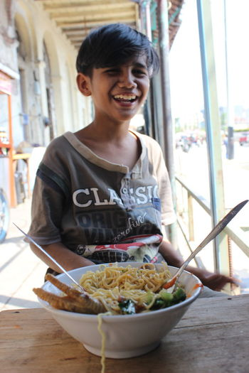 before eat Potrait INDONESIA Fatahilah  Jakarta Andong Smiling Happiness Bowl City Window Mid Adult Food And Drink Legume Family Rice - Food Staple Curry Ramen Noodles Prepared Food Noodles EyeEmNewHere