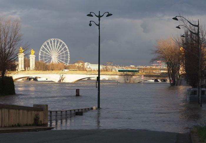 Crue 2018 Paris Seine Water Sky Ferris Wheel Architecture River Cloud - Sky