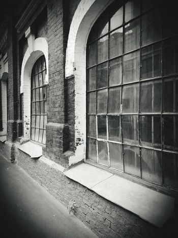 Windows Wall Black & White Old Buildings Black And White