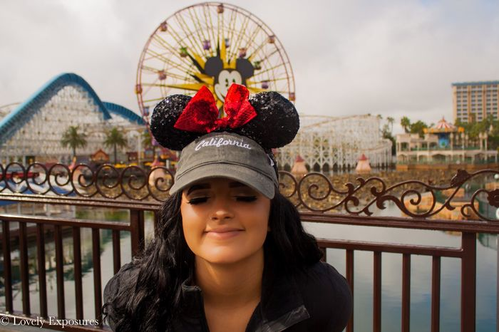 Reliving my childhood✨ Lifestyles Disney Disneyland Outdoors Portrait Smiling Mickeymouse Life Explore Photography