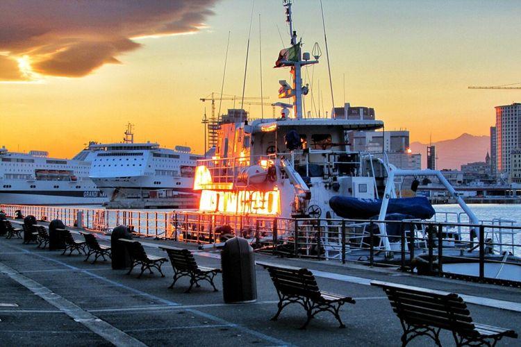 Magic Hour Enjoying The Sunset The Minimals (less Edit Juxt Photography) Be Amazing