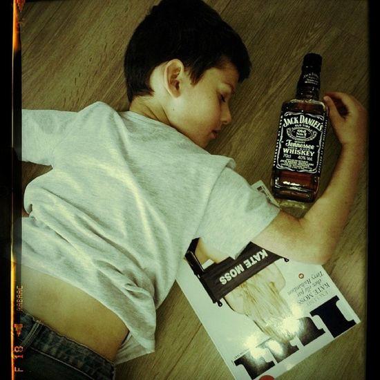 Jackdaniel 's Katemoss Party Fiesta Drunk Floor