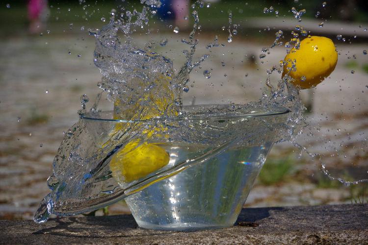 Beliebte Fotos High-speed Photography PENTAX K-70 Splashing Water Citrus Fruit Close-up Drop Fruit Impact Moments Of Life No People Outdoors Pentax Photography Splashing Splashing Droplet Water