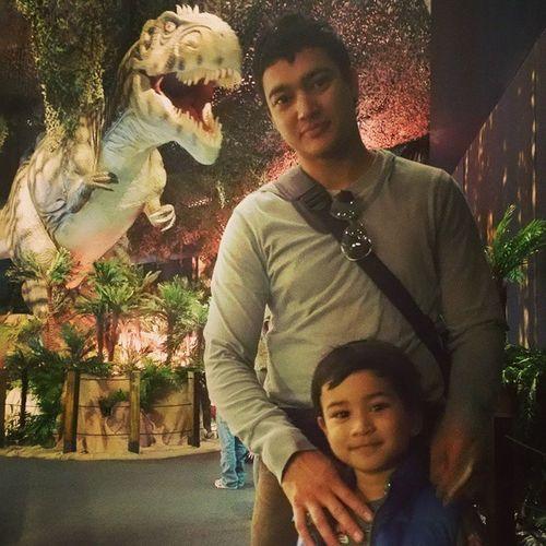 The leading man, the sidekick and the photobombing T-rex. 👍😜📷🎥🌏 Maxadventures Jurassicworld Dinosaurdiscovery MEMinBrisbane Museum Movingdinosaurs Photobomb Photobomber Fatherandson MyBoys Keepingupwithmem