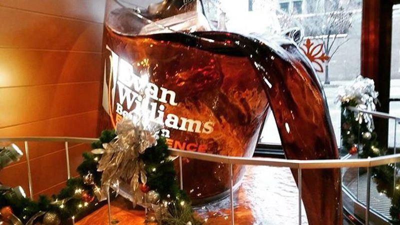 EvanWilliams Whisky Bourbon Louisville Kentucky  Delicious Museum Takeabreak Travelingphotographer Travel Explore
