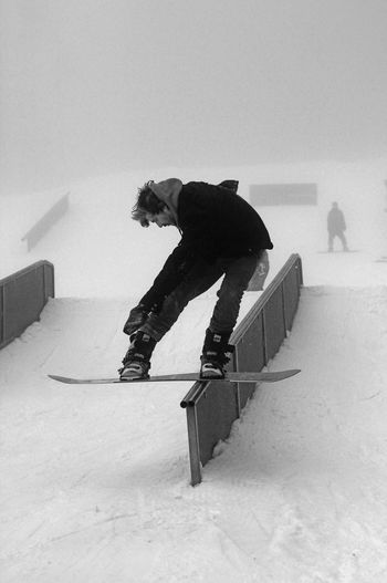 A little Different take on things, using a Foggy Day as a nice Backdrop. The Portraitist - 2016 EyeEm Awards It's Cold Outside Adrenaline Junkie My Winter Favorites Capture The Moment Jibbing Snowboard Snowboarding Handrail  Alternative Fitness Snow Sports