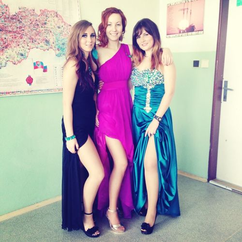 Prom Dancing Classmates Enyojing Life ?❤️? besties... Last night was the best night of my life ? thank to my sweeties ?