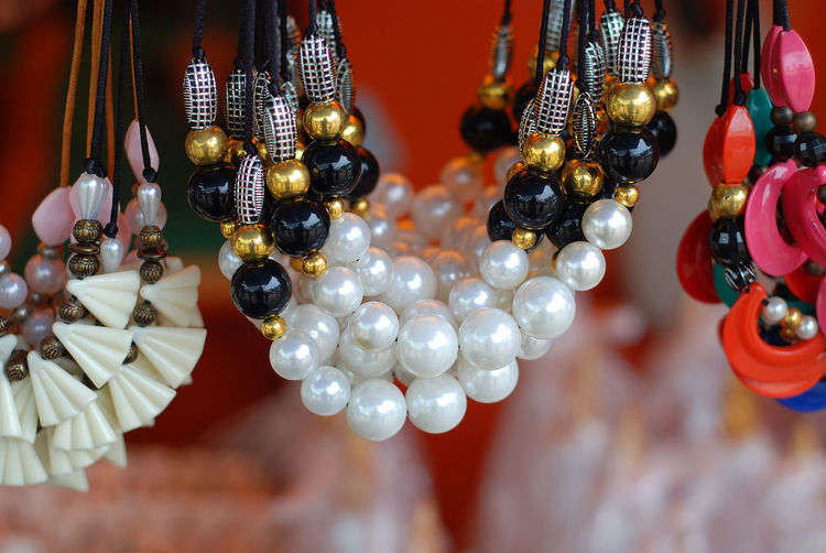 the accesories Art And Craft Close-up Day Earring  Elégance Fashion For Sale Hanging Indoors  Jewelry Large Group Of Objects Necklace No People Ornament Pearls Variation