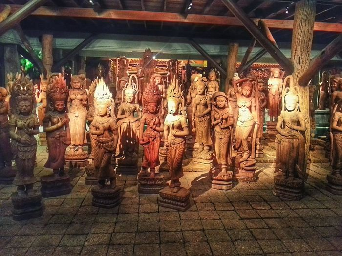 Sulpture Woodcarvings WoodLand Thailand