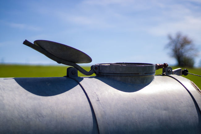 Cap Cover Day Deckel Farming Hatch Landwirtschaftsgerät Lid Luke No People Open Outdoors Sky 50mm Metal Tank Reservoir Water