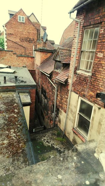Olde and cramped... Old Buildings Old But Awesome Rooftops Old Town Close Crouded Window View From Above Agh Horrible Old Town Historical Building Shrewsbury City Residential Building Architecture Building Exterior Sky Built Structure Gutter Tiled Roof  Residential Structure Building Rooftop Settlement Historic
