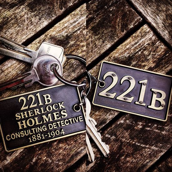 Sherlock Sherlockholmes Metal No People Key Love Keychain Benedictcumberbatch Brown Birthdaypresent Bakerstreet 221b Loveit Perfectkey