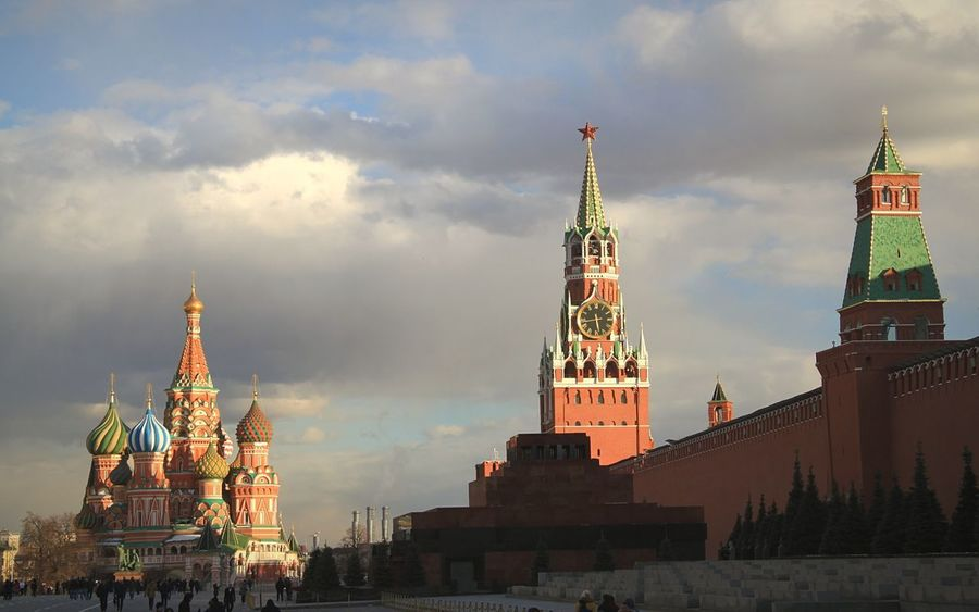 Architecture Travel Destinations Cityscape Outdoors Tourism Moscow, Russia Moscow Kremlin Architecture Russia Russia Red Square Moscow Red Square City Day Red Cloud - Sky Kremlin Red Star Politics And Government Kremlin Complex