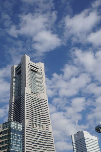 Blue Sky Sky And Clouds Built Structure Architecture Building Exterior Building Sky Cloud - Sky Low Angle View City Skyscraper Outdoors