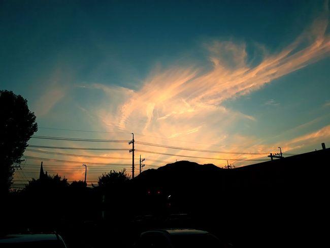 어느 저녁 감성사진 감성 건물 Treval 시골 풍경 그림자 하늘 구름 Korea 필터 Telephone Line Sunset Electricity Pylon Tree Silhouette Car Sky Cloud - Sky Power Line  Romantic Sky Dramatic Sky The Great Outdoors - 2018 EyeEm Awards