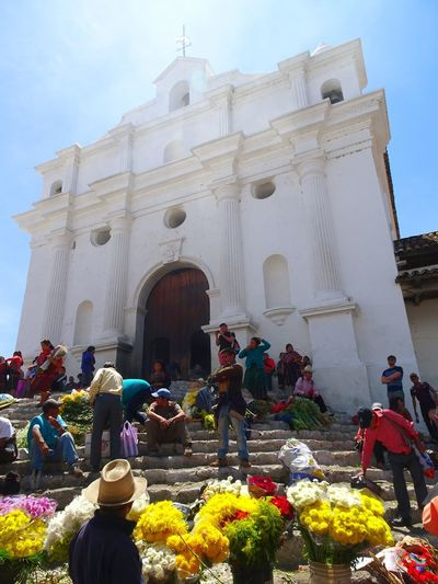 feeling people's energy Spirituality Spiritual Church Energy Energetic people and places Marketplace Mercado Travelphotography Traveler Latin America Pray Beautiful Day Beautiful People Taking Pictures Walking Around What I See Beautiful Place Place Of Worship Flower Religion Business Finance And Industry Politics And Government Architecture Sky Historic Amphitheater Civilization Monument Memorial