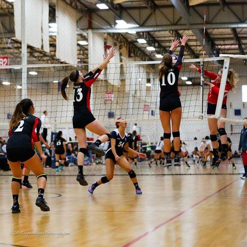 Kylie up for the block with Delaney and Alyssa as backup... Forza1Volleyball Forza1North Volleyball Volleyball❤ Sports Photography Sports Sportsphotography