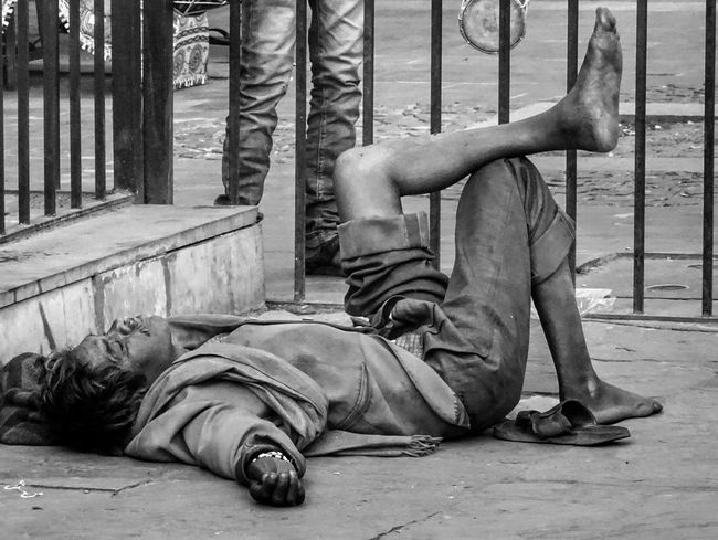Homeless... Social Issues One Person People Homeless Homeless People Poverty Sadness And Sorrow Godhelpus Streetphotography EyeEmNewHere EyeEm Best Shots
